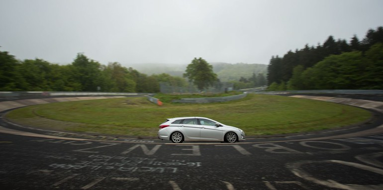 Hyundai Motor at Nurburgring05