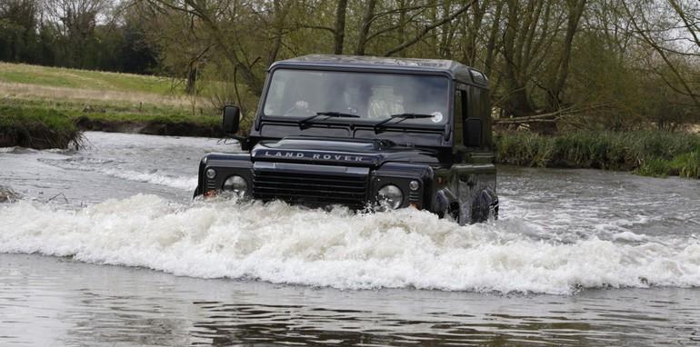 Land Rover Defender LXV13