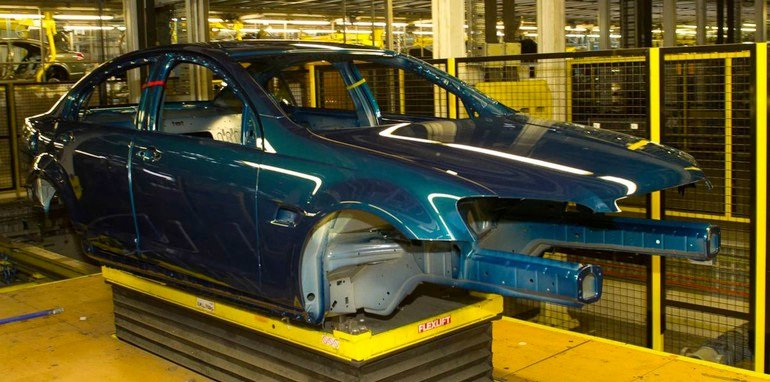 holden-ve-commodore-production-2