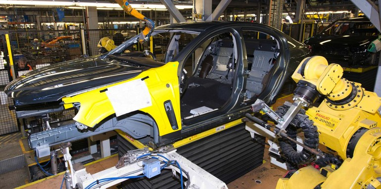 holden-vf-commodore-production-3