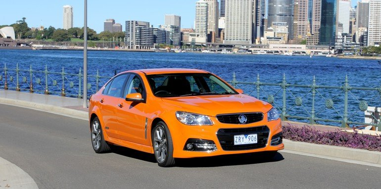 Holden Commodore SSV vs Renault Megane RS265 - 12