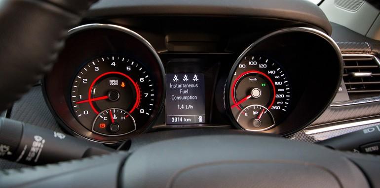 Holden Commodore v Ford Falcon-61