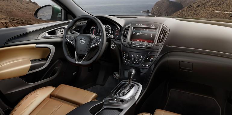 Opel Insignia Facelift - 11