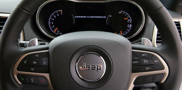 Jeep Grand Cherokee Laredo steering wheel