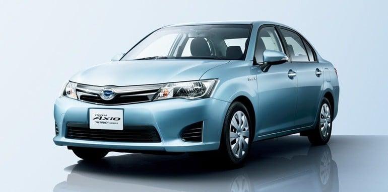 Toyota Corolla Axio Hybrid - 1