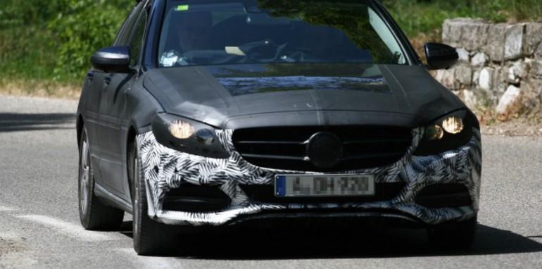 2014-Mercedes-Benz-C-Class-spied-5