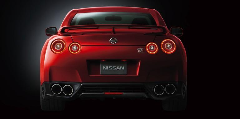 2014 Nissan GT-R-5