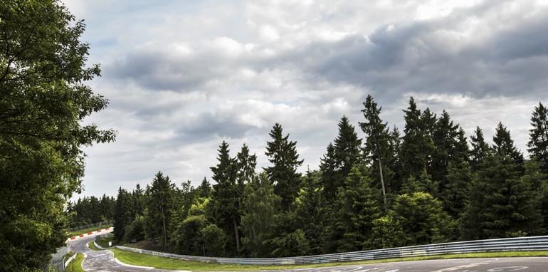 The Nurburgring expreinece: Renualt Megane RS26504