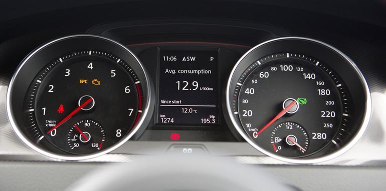 Volkswagen Golf GTI 23