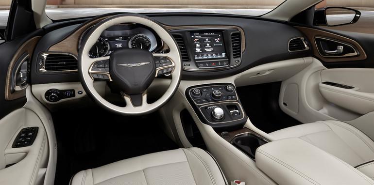 Chrysler 200 dash