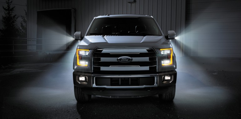 Ford F150 2015 front on