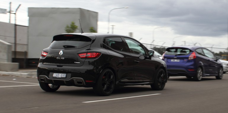 Renault Clio RS200 v Ford Fiesta ST-27