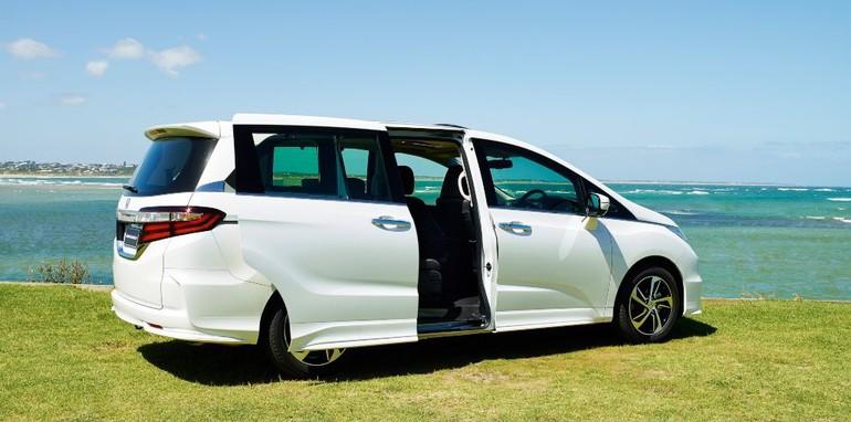 Honda_Odyssey_VTi-L_06a