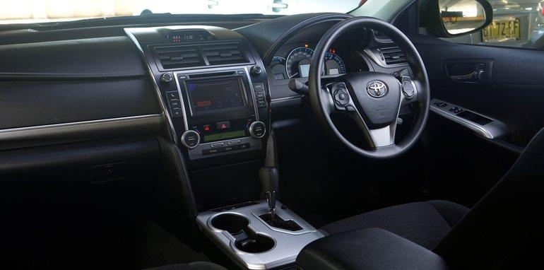 Mid-size Sedans-105