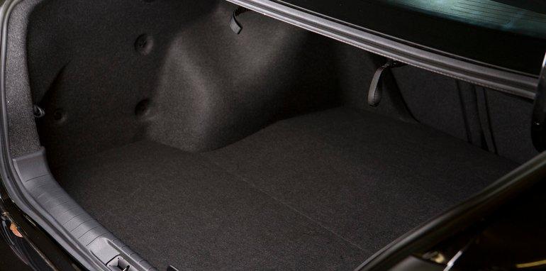 Mid-size Sedans - Nissan Altima boot