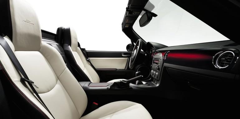 Mazda_MX-5_25th_Anniversary_Edition_IN_002