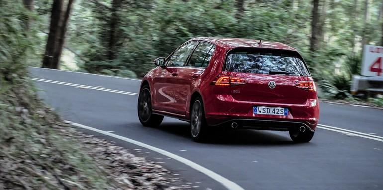 2014 Volkswagen Golf GTI Performance 19