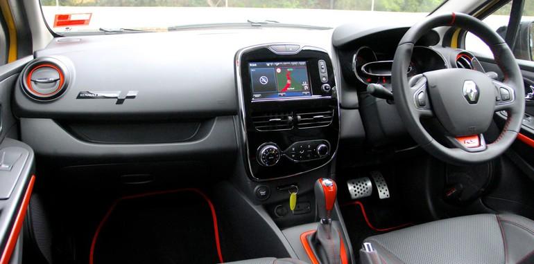 Renault Clio RS v Mini Cooper S_5