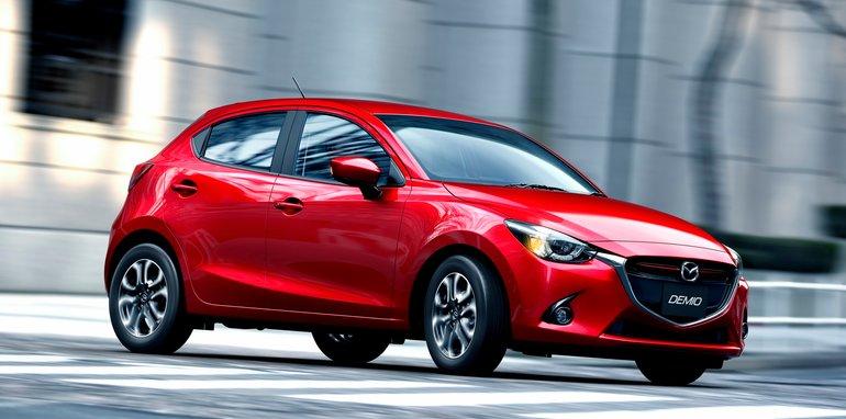 2015 Mazda 2_3