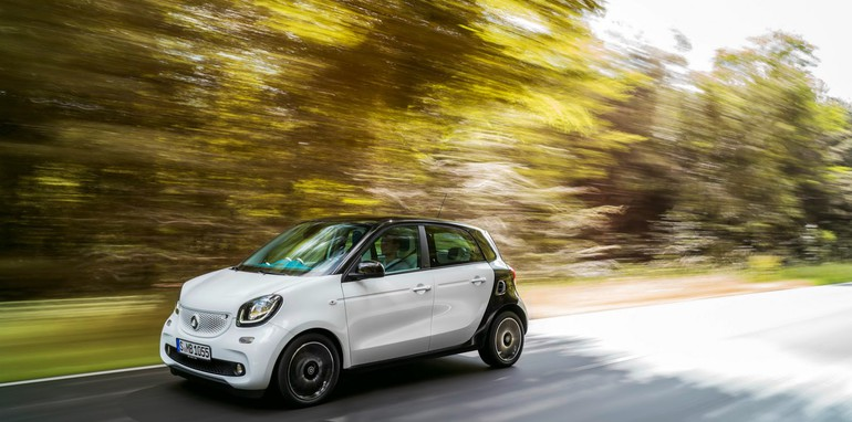 2015-Smart-ForTwo-ForFour-42