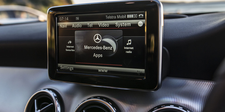 2014 Mercedes-Benz GLA-Class-15