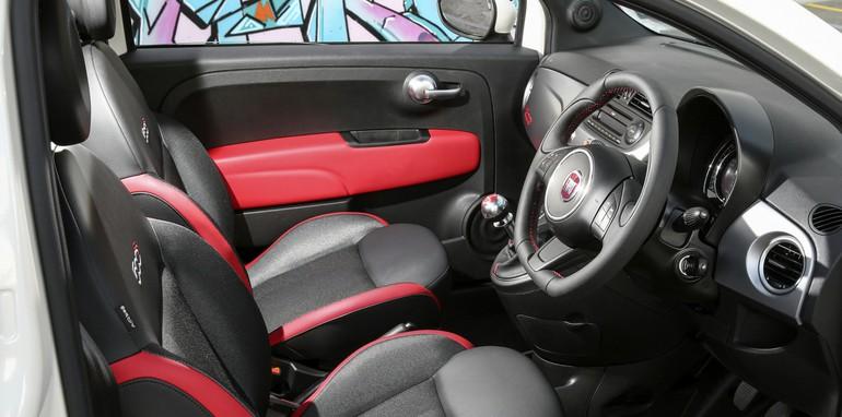 2015 Fiat 500_13