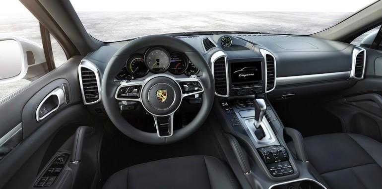 2015-Porsche-Cayenne-4