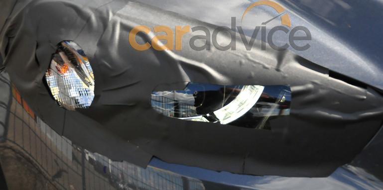 Mazda CX-5 facelift spy photo - headlight