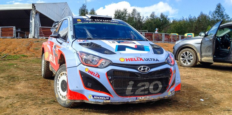 Hyundai-i20-WRC-hot-laps-with-Chris-Atkinson
