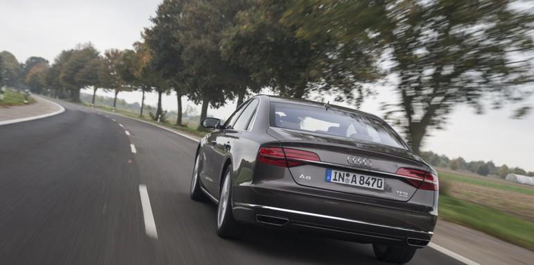 2014-Audi-A8-Review-R2