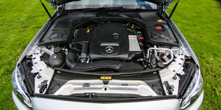 2014-Mercedes-Benz-C200-19