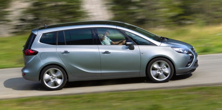 Opel-Zafira-Tourer-272881-medium