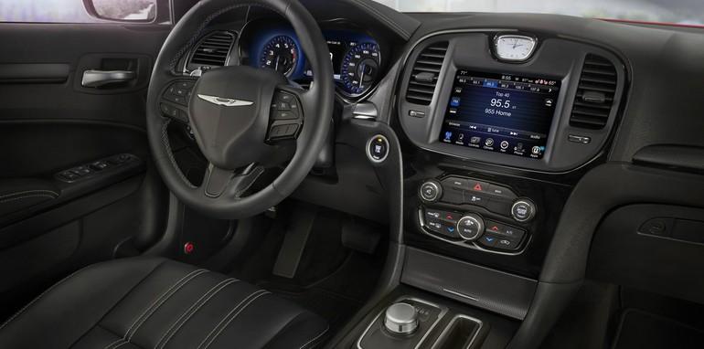2015 Chrysler 300_07