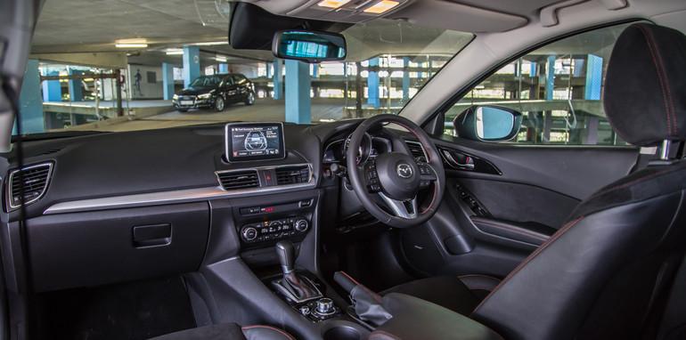 Mazda 3 Astina v Audi A3-27