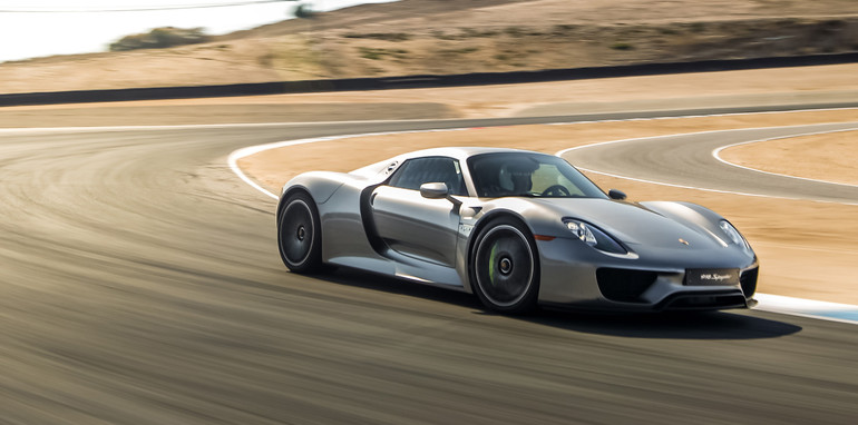 2014-porsche-918-spyder-sold-out-4