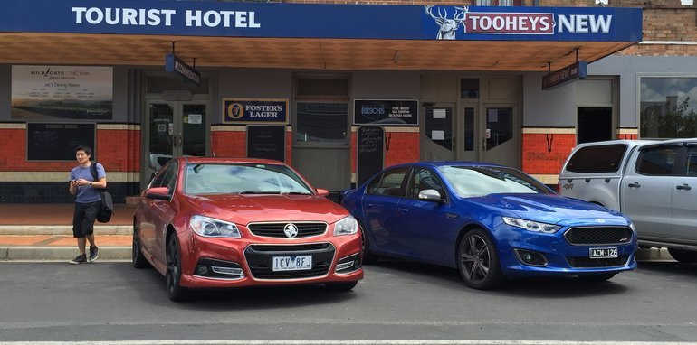 Holden Commodore SS Ford Falcon XR8-118