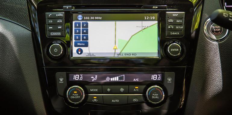 Nissan X-Trail Mazda CX-5 Jeep Cherokee Volkswagen Tiguan-28