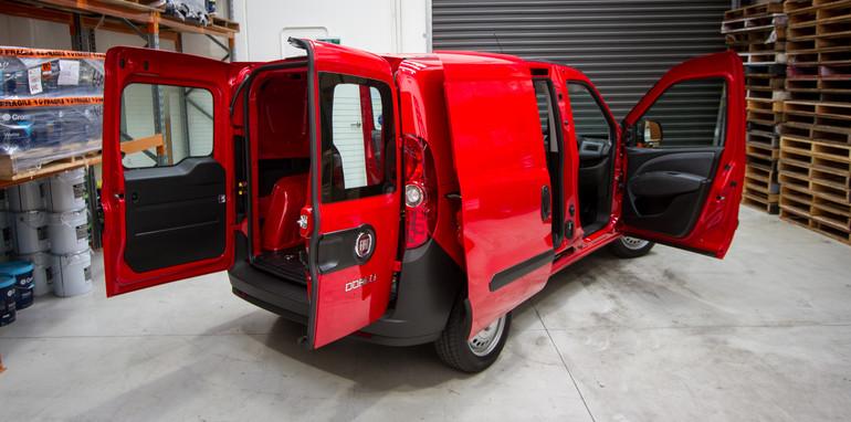 2015-january-small-vans-comparison-38