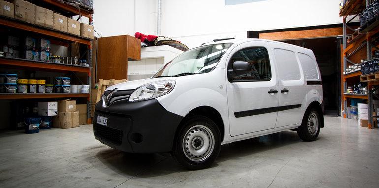 2015-january-small-vans-comparison-45