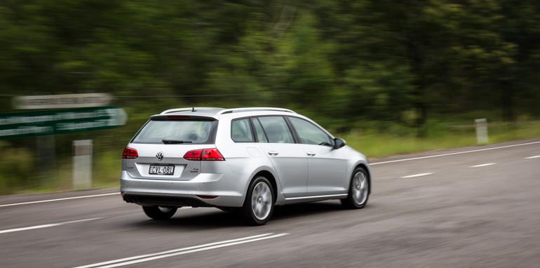 2015-VWvsPug-308vsGolf-wagons-comparison-3