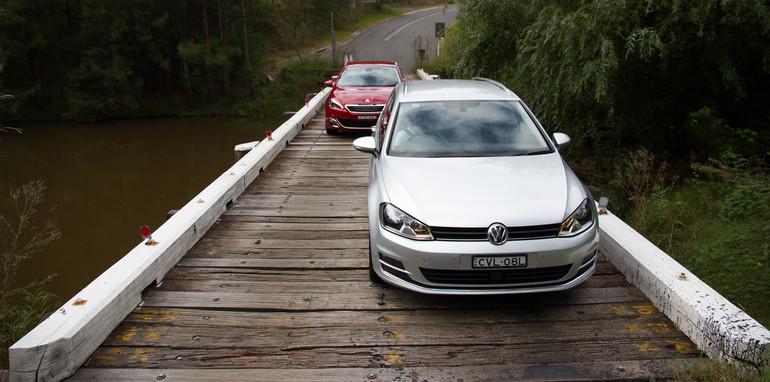 2015-VWvsPug-308vsGolf-wagons-comparison-6