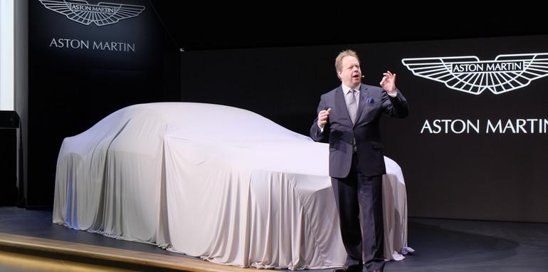 Aston Martin DBX_1
