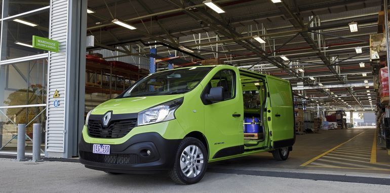 2015 Renault Trafic_21