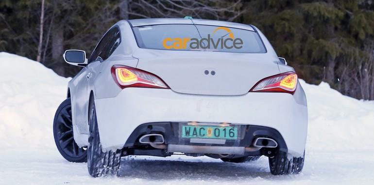 Hyundai-Genesis-Coupe-mule_07