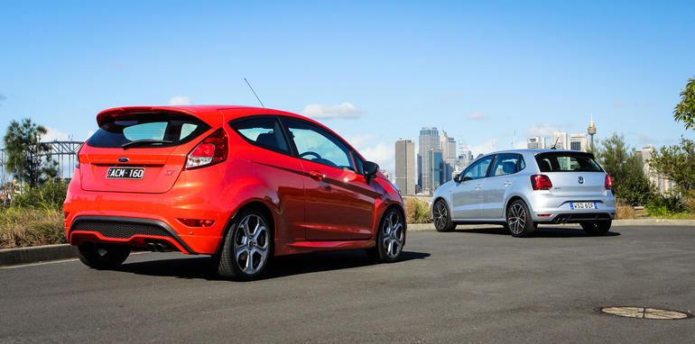 2015-VW-polo-GTI-ford-fiesta-ST-comparison-44
