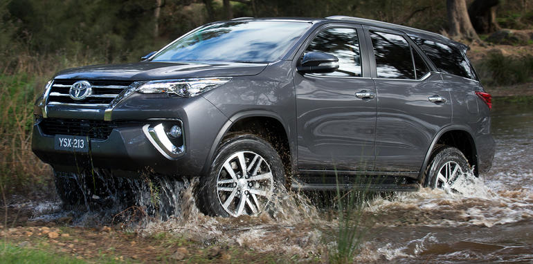 2016_toyota_fortuner_global-reveal_australia_05