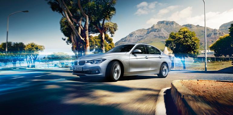 BMW-330e-Plugin-Hybrid - 1