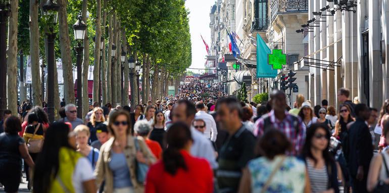 ev-car-share-paris-autolib-2015-09
