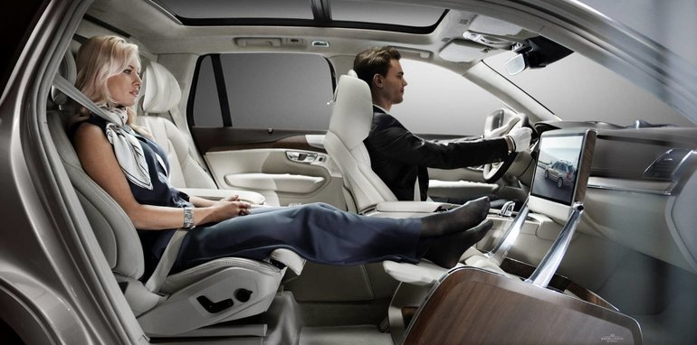 volvo_xc90_excellence_02_lounge-console_01