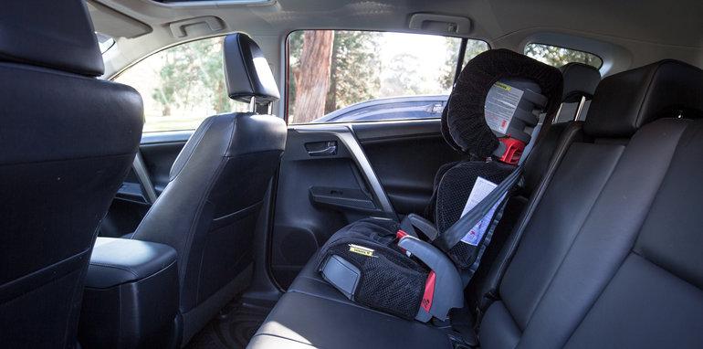 2015-RAV4-CX5-TUCSON-FORESTER-4-car-medium-suv-comparison-129